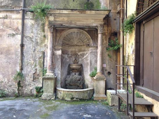 Fontana Via del Cardello